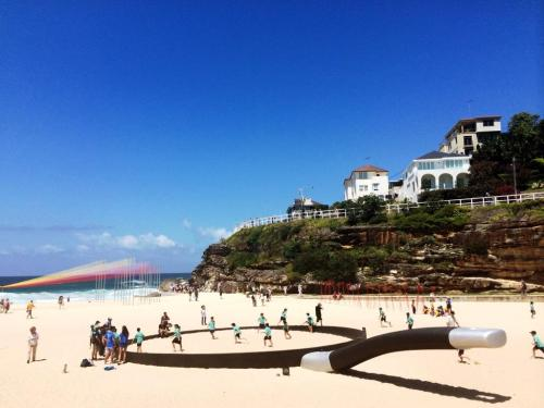 3 the blonde tourist blogger visits sculpture by the sea 2014 (6)