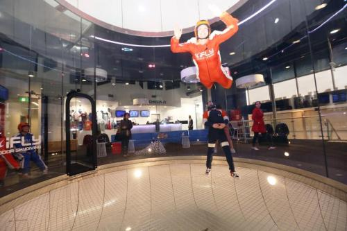 Blonde Tourist blogger at iFLY Downunder Penrith (11)